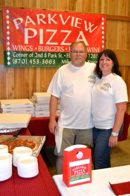 mike-and-julie-kucala-parkview-pizza